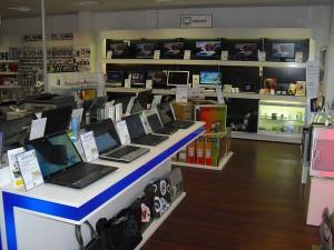 Blick ins Innere des PC-SPEZIALIST Stores in Maxhütte