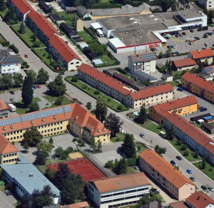 Der Ortskern von Maxhütte, der PC-SPEZIALIST Laden befindet sich oben rechts (Nürnberg Luftbild, Hajo Dietz)
