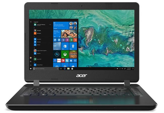 Microsoft-Anruf: Acer-Laptop mit Windows 10-Bildschirm. ©Microsoft