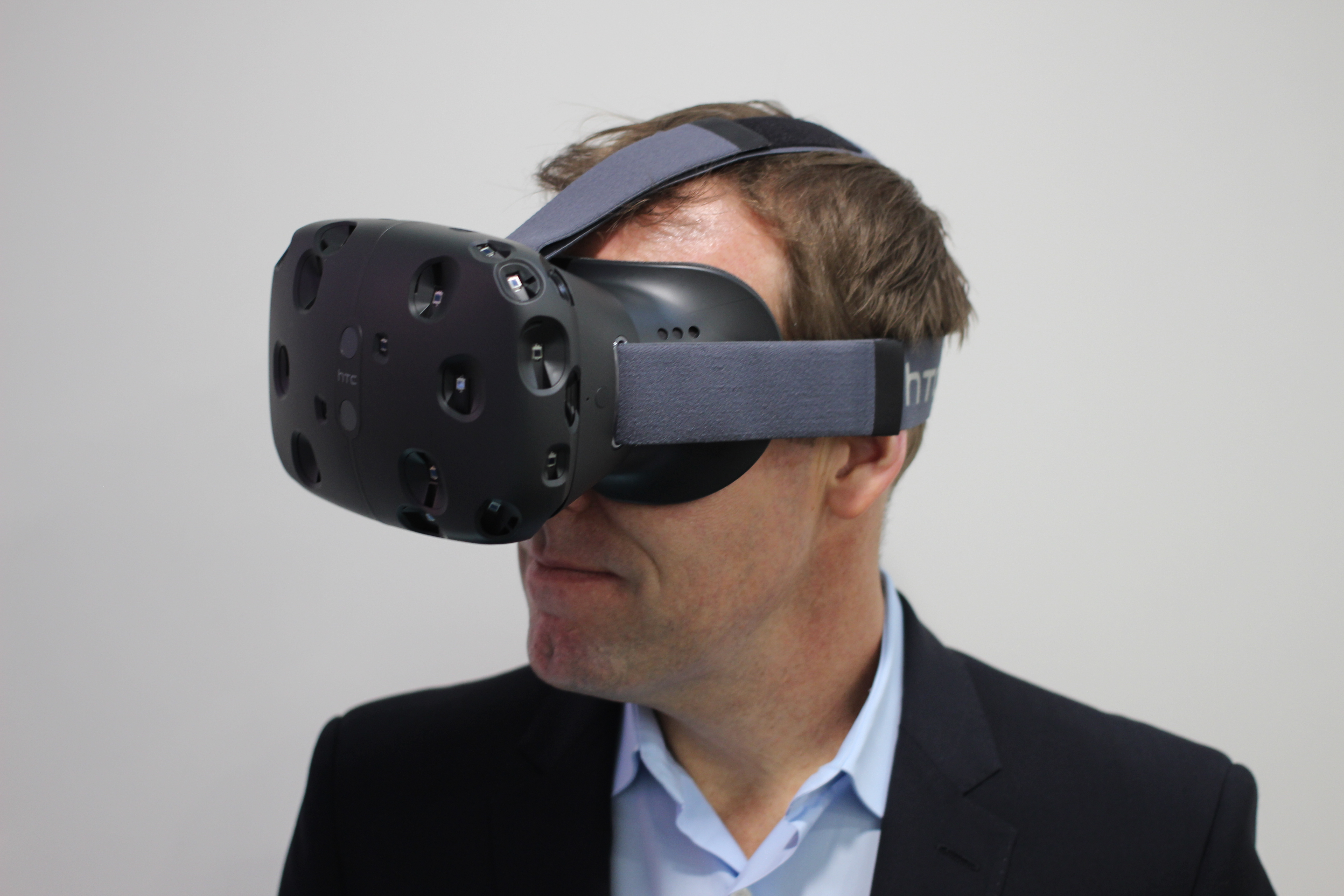VR-Brille von dem Giganten HTC und Valve - für HTC ONE M9 ,Laptops und PCs