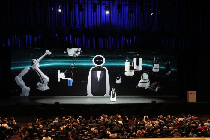 In einer Keynote stellte LG auf der CES 2019 neue Service-Roboter vor. (Bild: CES)