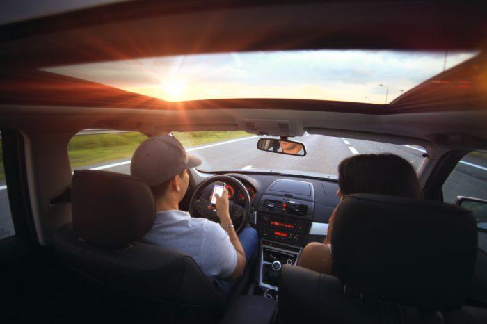 Selbstfahrende Autos und Car-Sharing sind nur zwei der wichtigsten Zkunftstrends, die auf der CES 2019 vorgestellt wurden. (Bild: pixabay.com/SplitShire)