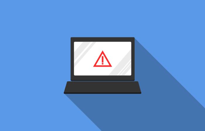 Die Grafik zeigt einen Laptop mit einem Warndreieck auf dem Bildschirm auf einem blauen Hintergrund. Bei so einem Virenbefall bietet PC-SPEZIALIST Computerhilfe. Bild: www.pixabay.com / Darwin Laganzon