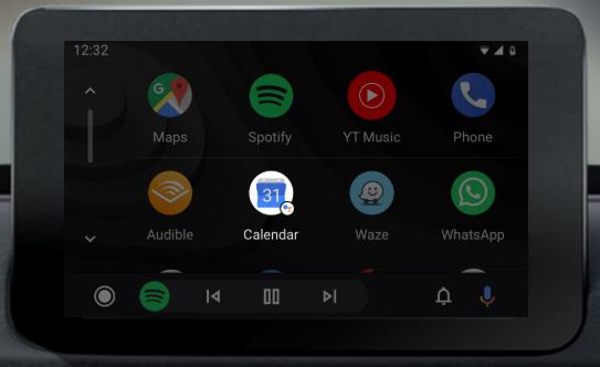 Das Bild zeigt den Display eines Infotainment-Systems, auf dem die App Android Auto aktiviert ist. Bild: Screenshot Google