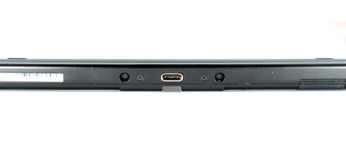 Zu sehen ist die Seitenansicht eines Laptops mit USB-C-Anschluss. Aber was ist USB-C genau? Bild: Unsplash/🇨🇭 Claudio Schwarz | @purzlbaum