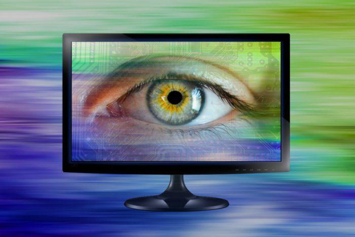 Handy überwachen: Monitor mit Auge. Bild: Pixabay
