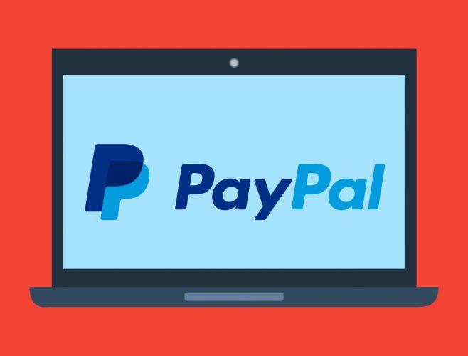 Grafische Darstellung eines Monitors mit PayPal-Logo vor rotem Hintergrund. Bild: Pixabay