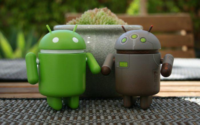 Android Symbolfiguren in grün und braun. Bild: Pixabay