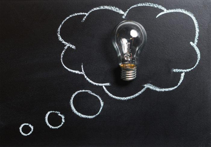 Was ist GoBD? Glühbirne in einer Gedankenblase. Bild: Pexels