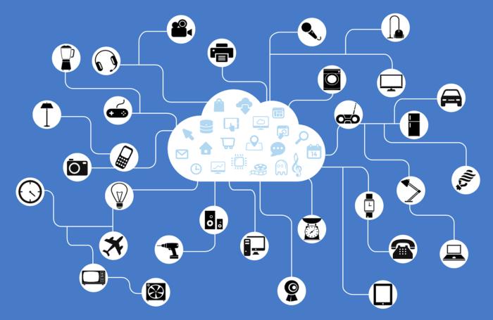 Internet der Dinge. Verknüpfte Symbole, welche alle in einer Cloud sind. Bild: Pixabay