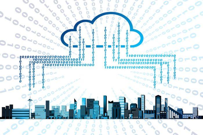 Google-Fotos-Alternative: symbolische Cloud, die Daten aus einer Stadt erhält. Bild: Pixabay