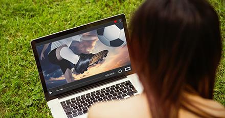 Laptop Display auf Fernseher übertragen